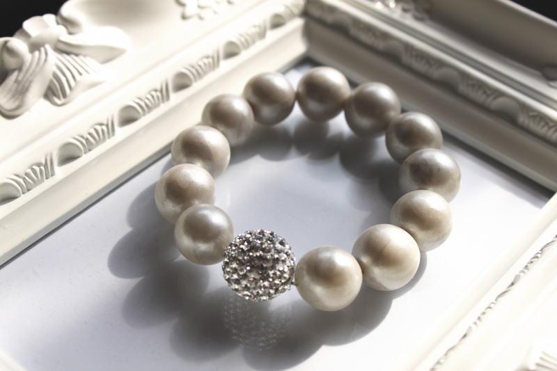 16wh.bracelet.jpg